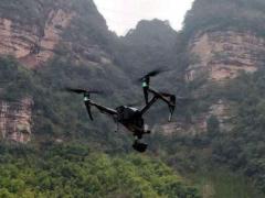 """无人机""""钻进""""深山巡查电网线路隐患,最高可精确至10厘米!"""